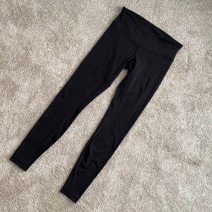 Lululemon leggings. Black. Size 6. EUC